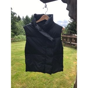 Pure DKNY black down filled puffer vest jacket
